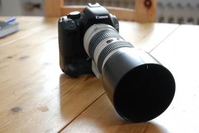 Canon 550D mit Tele-Zoom und Batteriegriff