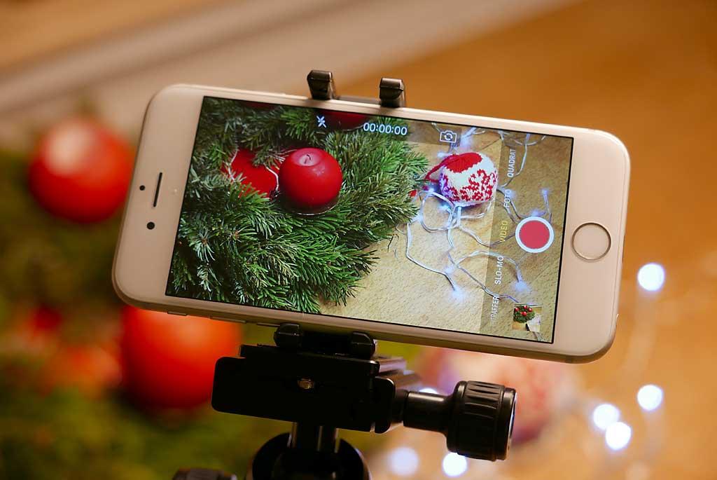 Smartphone-Videos werden mit einem kleinen Stativ deutlich besser.