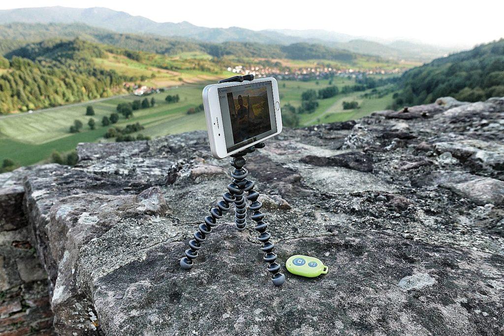 Die Immer-Dabei-Kamera einer Kamera-Ausrüstung steckt heute meistens in einem Smartphone.