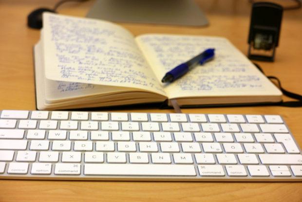 Das gute alte Notizbuch liegt auch vielen Bloggern für die Planung noch am meisten.
