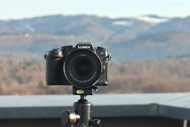 Die Lumix G81 kann 4K-Video uund bietet mit dem Schwenk-Display viele Möglichkeiten.