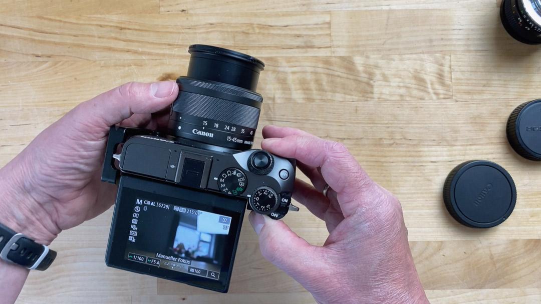 Wer seinen Marken treu bleibt, der tut sich leichter mit dem Wechsel zwischen zwei Kameras.