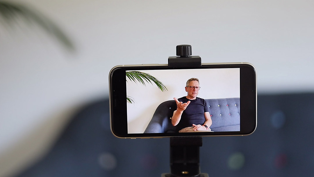 Favorit als zweite Kamera für Videos und immer verfügbar: das Smartphone.
