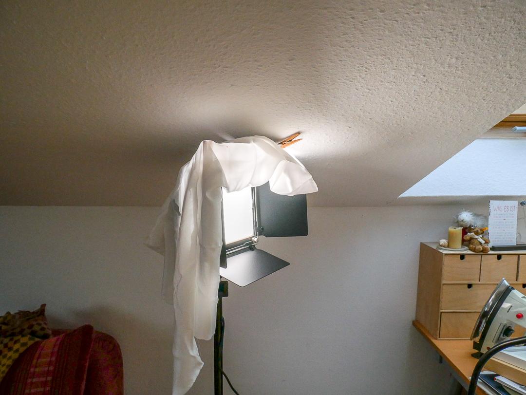 Wenige Gestaltungsmöglichkeiten für die neuen LED Videoleuchten bieten die vier Klappen.