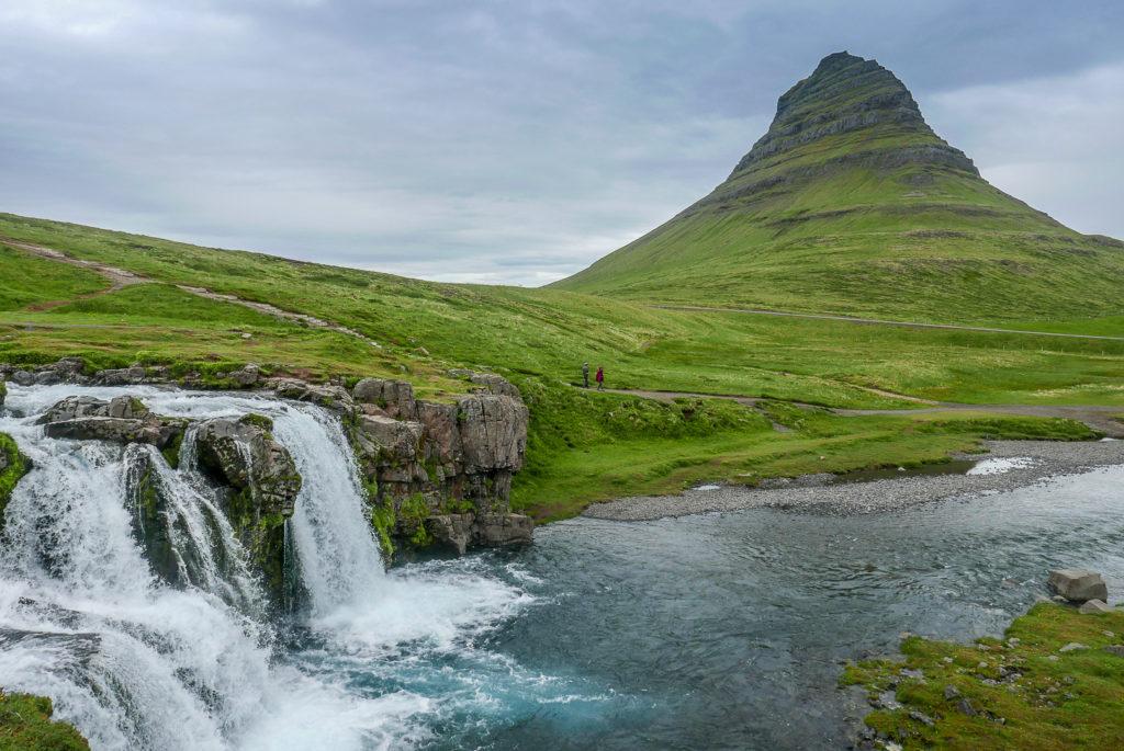 Einige Foto-Locations machen sich in jedem Instagram Account gut. Ikonische Bilder wie der Kirkjufell, der meist fotografierte Berg Island, oder der Hintersee Ramsau.