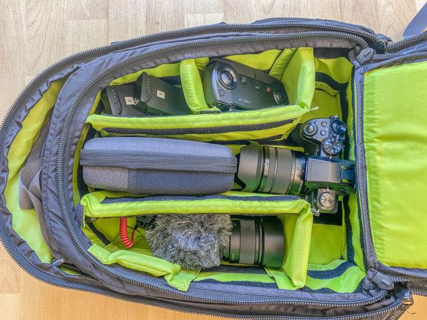 Vorteil Foto-Rucksack: Viel Platz (bei viel Gewicht).