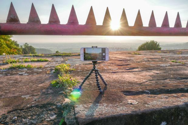 Foto-Apps helfen beim Fotografieren mit dem Smartphone oder mit einer externen Kamera - und man hat sie immer dabei.