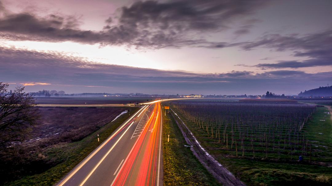 Wenn der Himmel kein Licht schickt, dann vielleicht Autofahrer?
