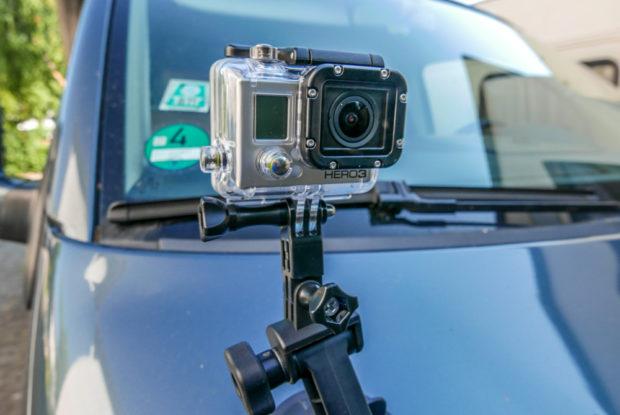 Auch die GoPro Hero 3 ist schon älter. Neben HD-Video ist sie ideal für Zeitraffer und die Montage auf dem Fahrzeug.