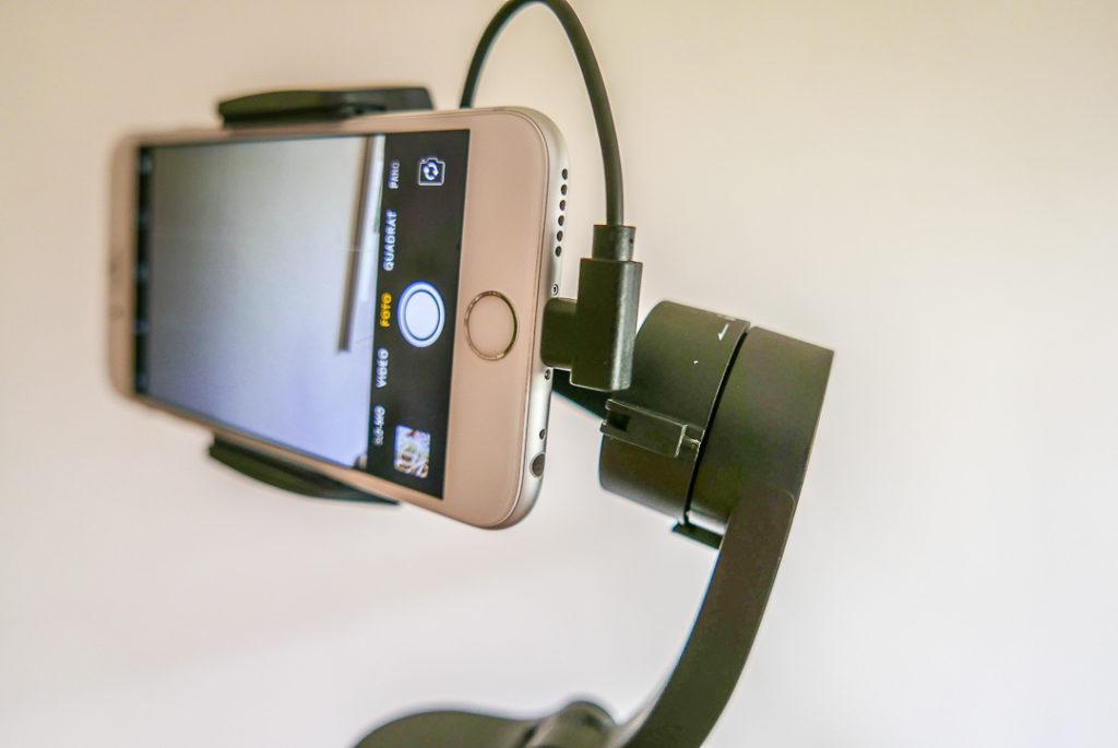 So geht es auch: DIe USB-Buche bewegt sich mit, kein Kabelgewirr.