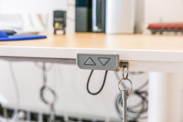 Ein elektrisch höhenverstellbarer Schreibtisch ist kein Luxus, sondern eine lohnende Investition.