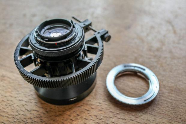 Die kleinen preiswerte Adapterringe gibt es für die Verbindung fest aller Fremdhersteller-Objektive.