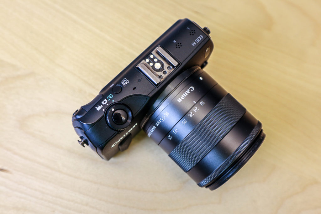 Die Canon EOS M hat einige technische Features, die beinahe professionelle Videoaufnahmen ermöglichen.