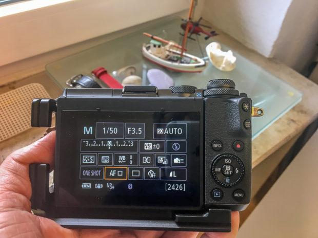 Touch-Display mit allen Einstellmöglichkeiten auf einen Blick: Ideale Vorauissetzungen für manuelle Arbeit.