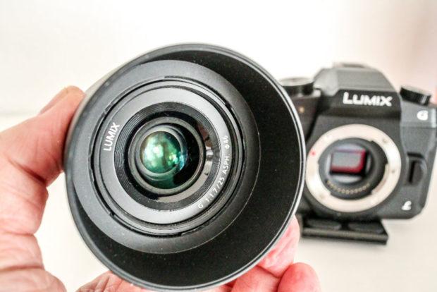 125 Gramm und ein kompaktes Maß: Das Bokeh-Objektiv lässt sich überall hin mitnehmen.