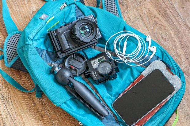 Kleine Ausrüstung und trotzdem viele Möglichkeiten: Auch ein Smartphone oder eine Action-Cam erweitern die Möglichkeiten.