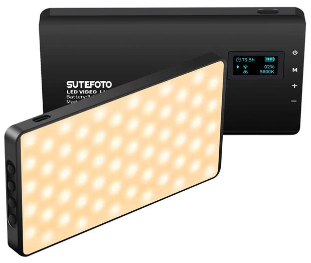 Kleine Helferlein: Kompakte LED-Leuchten lassen sich ziemllich universell für Videos einsetzen.