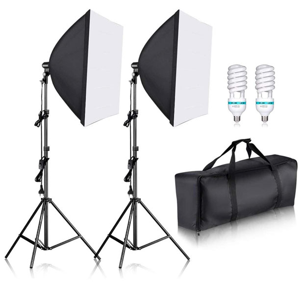 Preiswerte ältere Technik wie solche Leuchten-Sets erlauben eine gute Ausleuchtung mit geringem Aufwand.